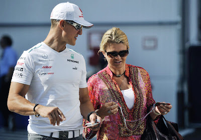 Michael Schumacher and his wife before the Satuday practice