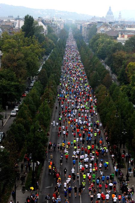 Budapest Marathon 2012: nearly 20,000 runners