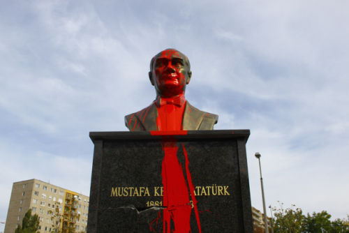 ataturk_covered_paint