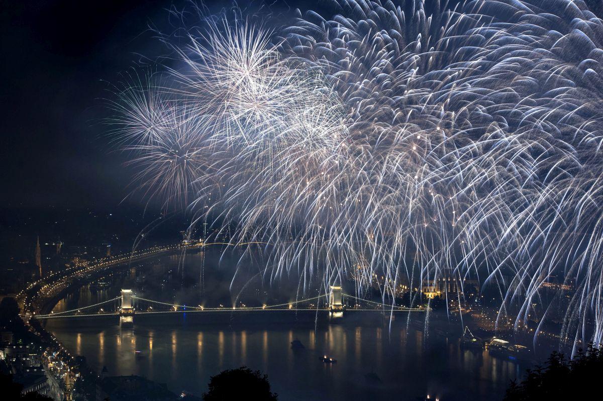 Augusztus 20. - Ünnepi tûzijáték Budapesten