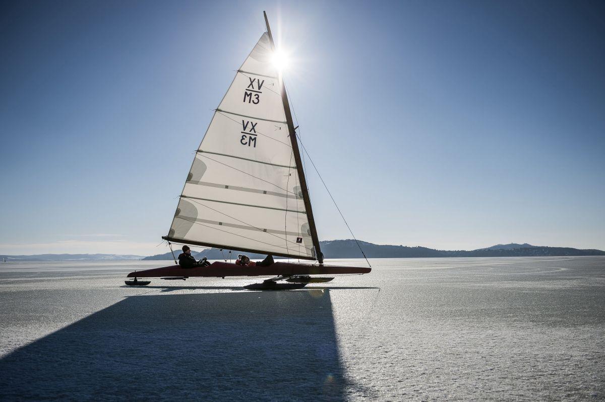 Ice sailing on Lake Balaton (Photo: Boglárka Bodnár)