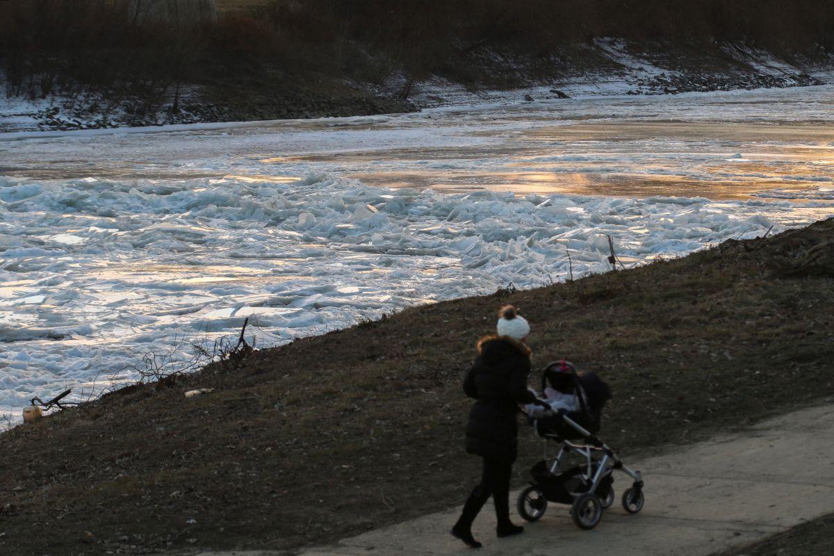 Ice on the river Tisza at Szolnok (Photo: János Bugány)