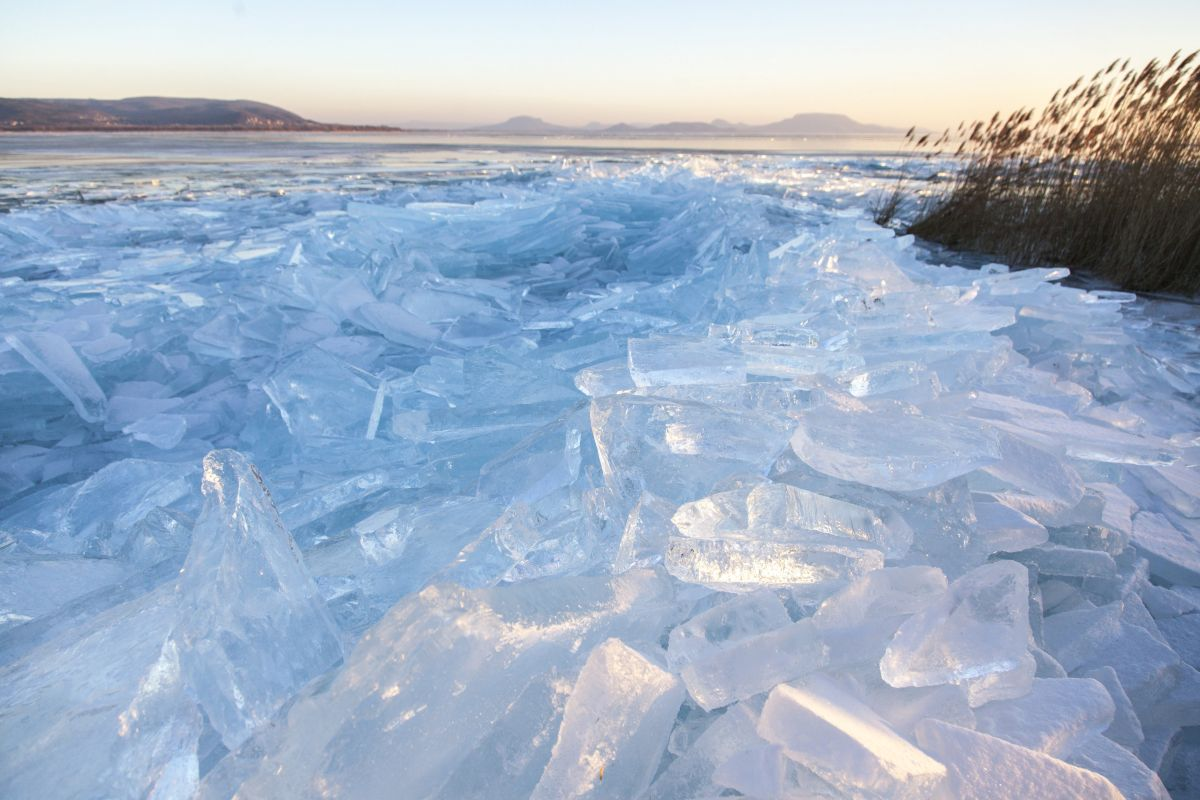 Ice on Lake Balaton (Photo: Gyorgy Varga)