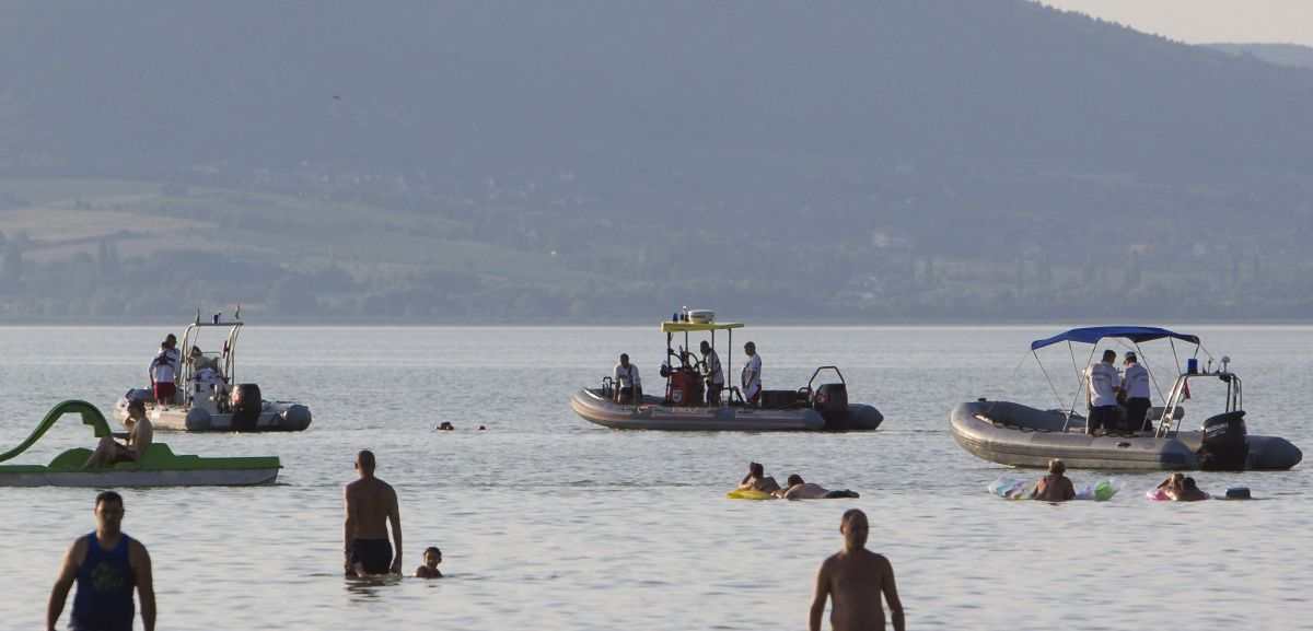 The Water Rescue Services are looking for a missing boy in Balaton. Later the dead body was found MTI Fotó: Varga György