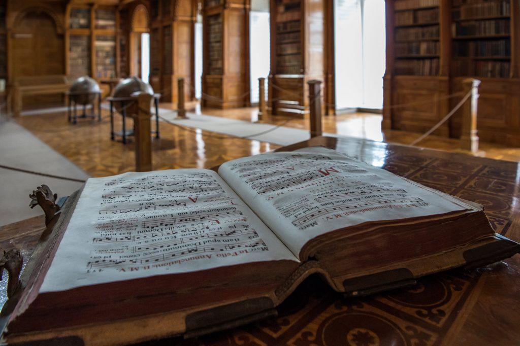 Zirc library